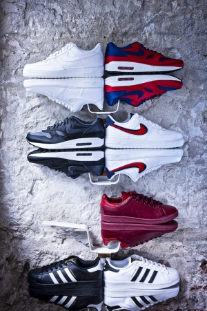design Shoewallski schoenenrek sneakers storage shoerack display opbergsysteem schoenenkast